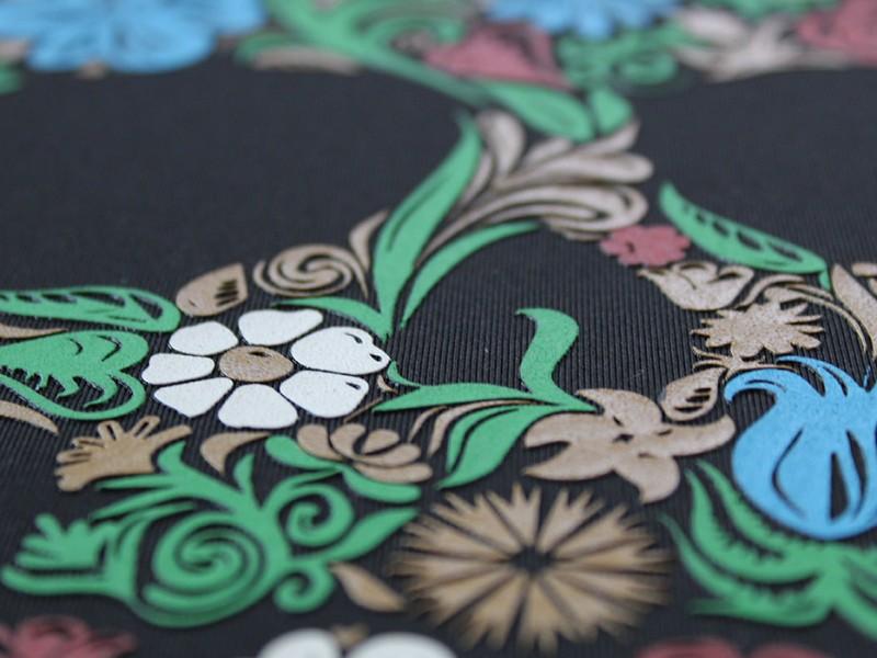 02 serigrafia 5 colori hd con oro particolare
