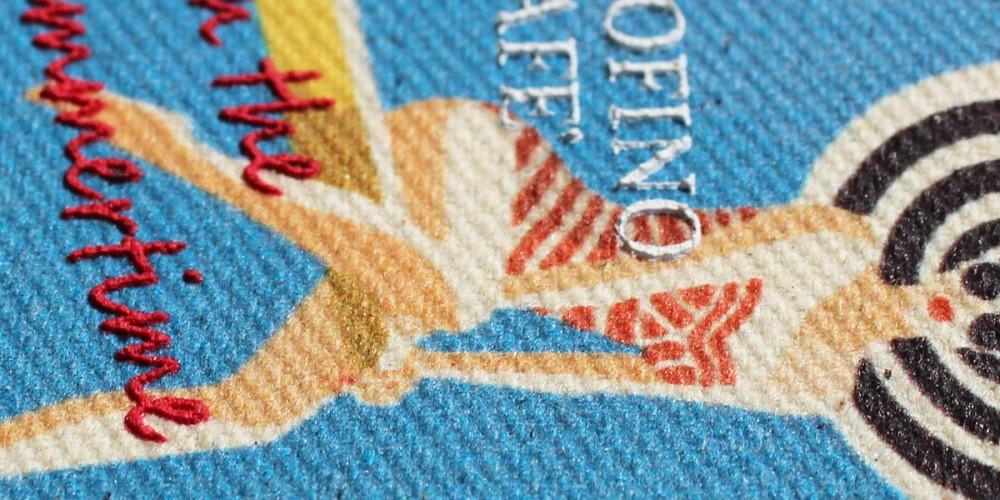 31 etichetta stampa digitale e rilievo serigrafia
