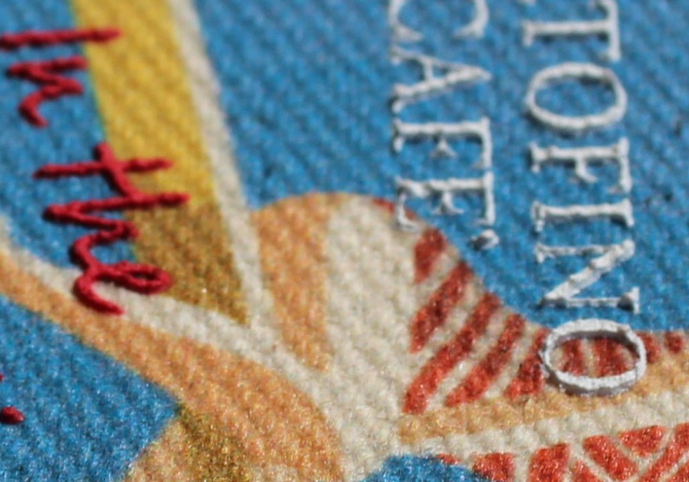 31 etichetta stampa digitale e rilievo serigrafia - particolare