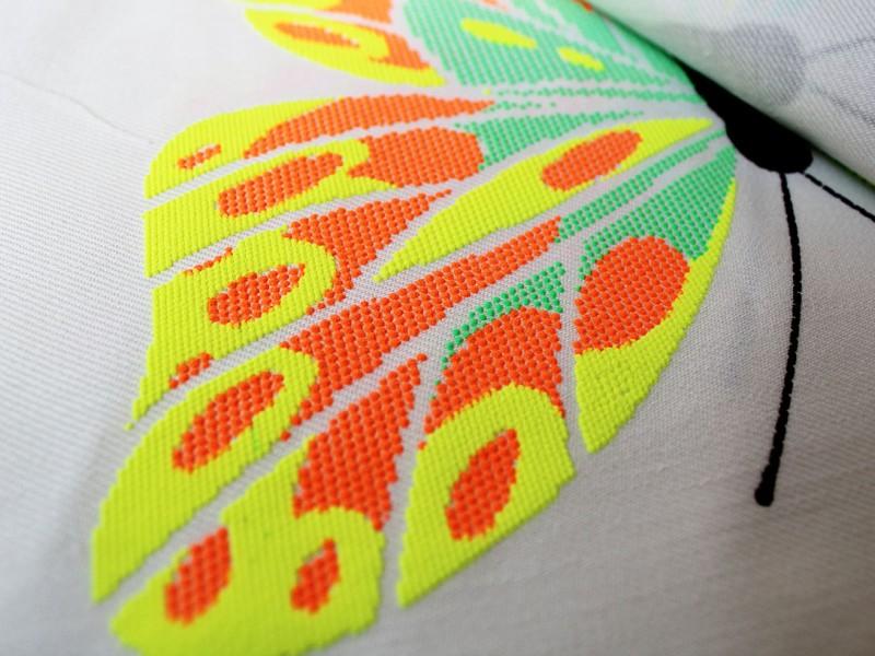 Farfalla stampa spessorata a pallini 2